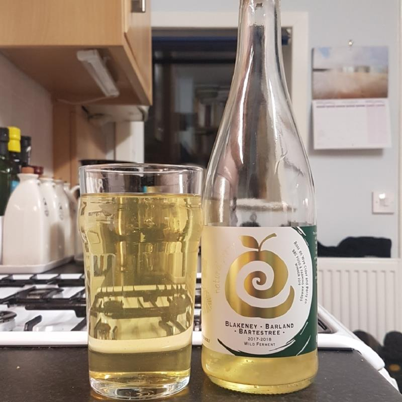 picture of Ross-on-Wye Cider & Perry Co Blakeney/Barland/Bartestree Perry submitted by BushWalker