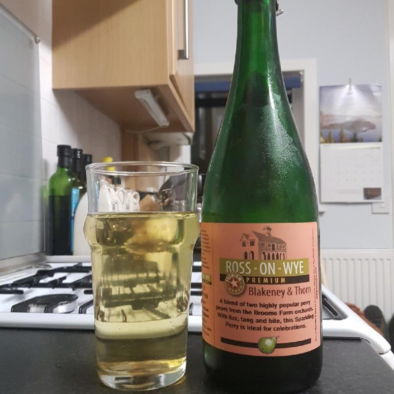 picture of Ross-on-Wye Cider & Perry Co Blakeney & Thorn submitted by BushWalker