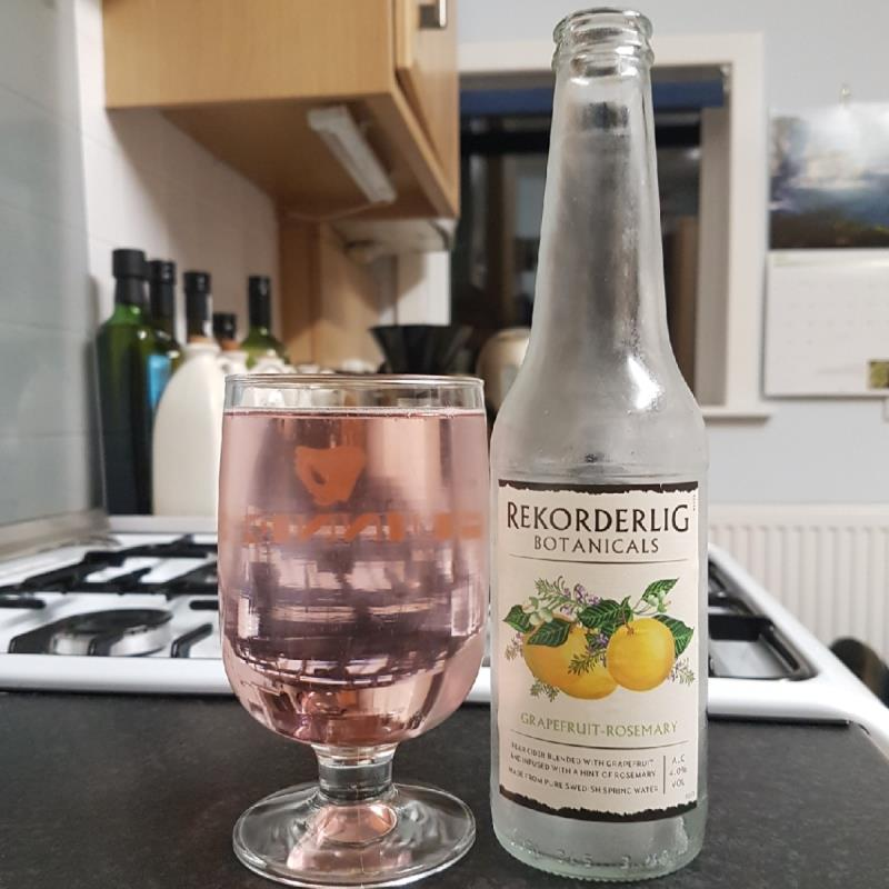 picture of Rekorderlig Swedish Cidery Botanicals - Grapefruit & Rosemary submitted by BushWalker