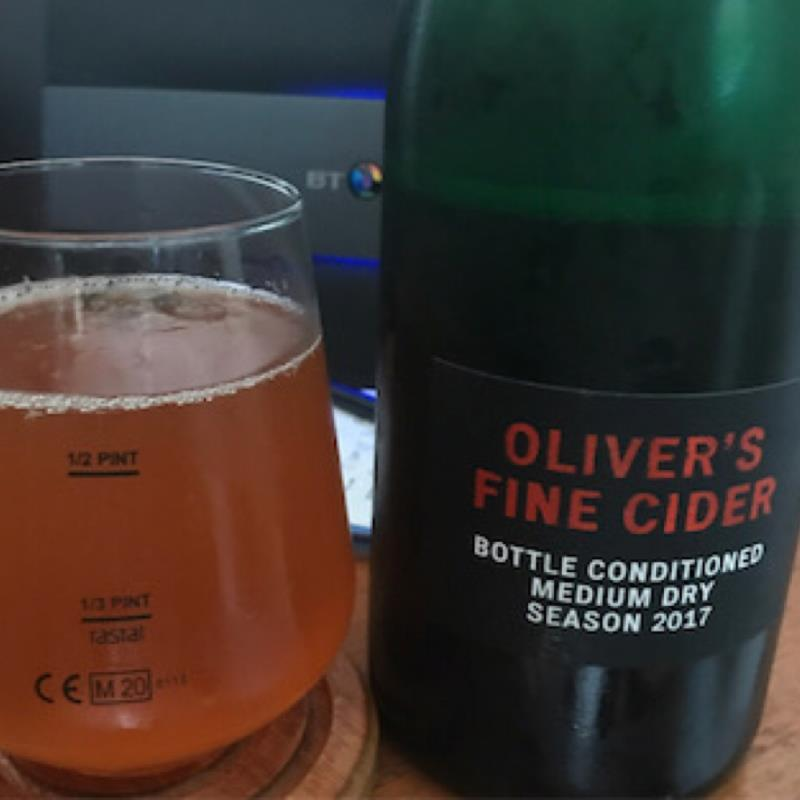 picture of Oliver's Cider and Perry Bottle Conditioned Medium Dry 2017 submitted by Judge