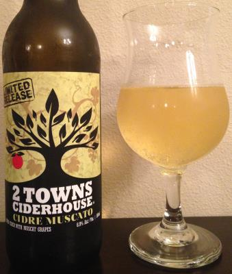 picture of 2 Towns Ciderhouse Cidre Moscato submitted by cidersays