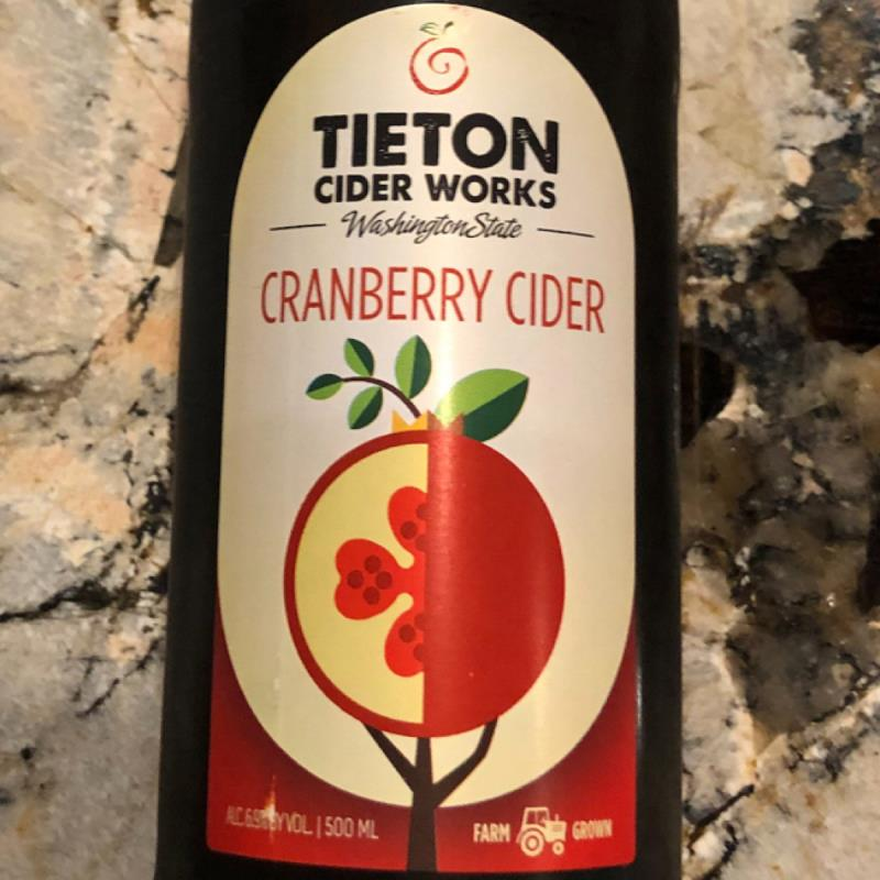 picture of Tieton Cider Works Cranberry (no longer made, circa 2019) submitted by PricklyCider