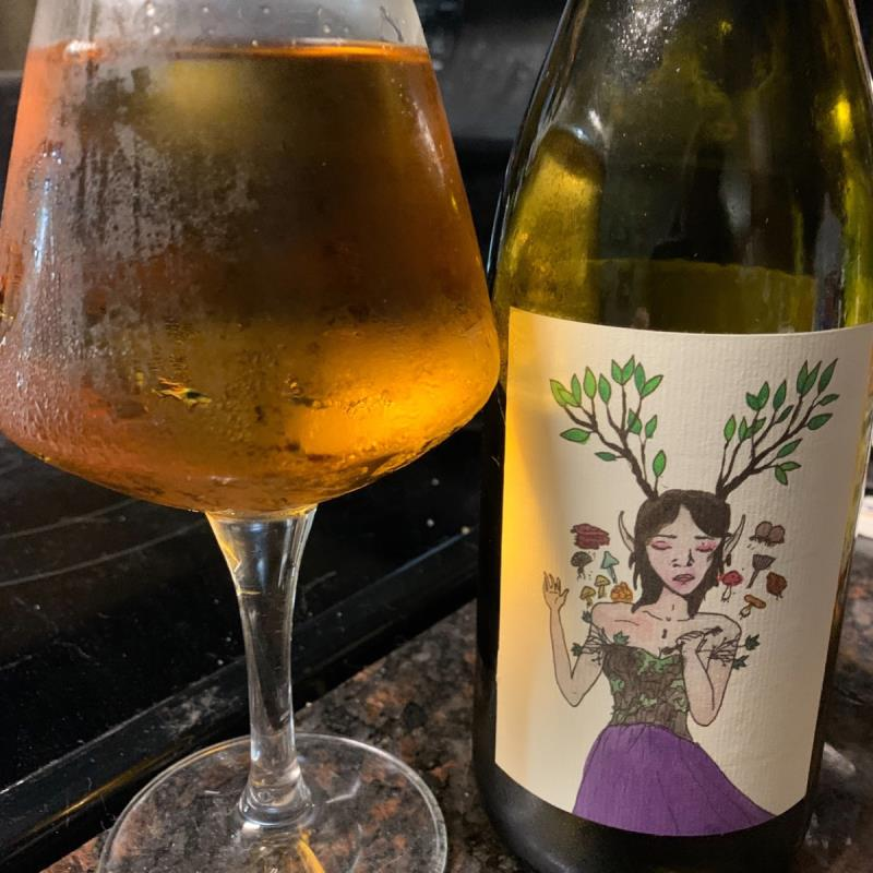 picture of Eve's Cidery Golden Russet submitted by KariB