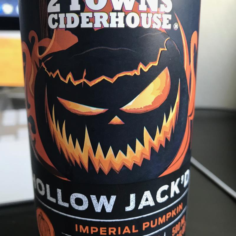 picture of 2 Towns Ciderhouse Hollow Jack'd submitted by Karibourgeois