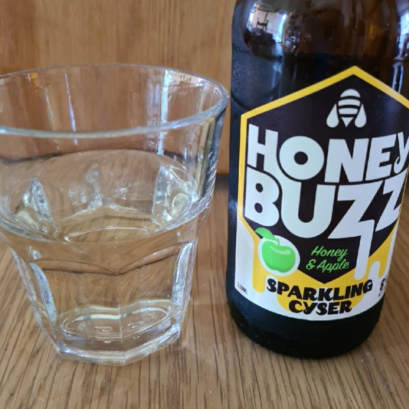 picture of Sunshack Cider Honey Buzz Sparkling Cyser submitted by Brett