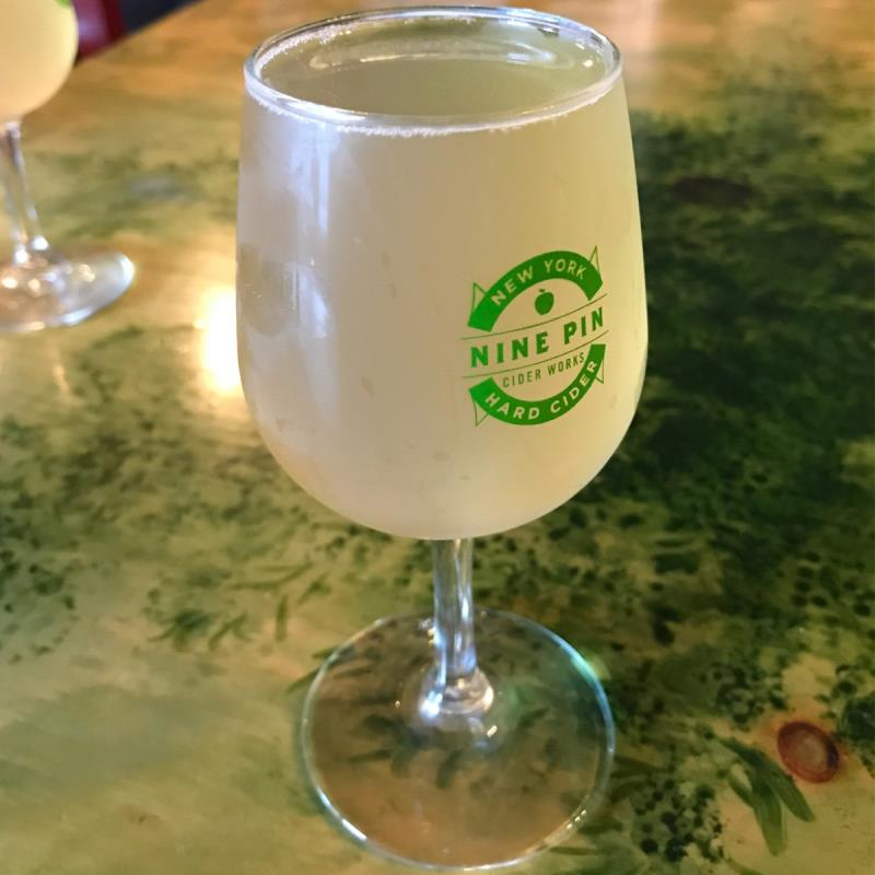 picture of Nine Pin Ciderworks Honey Hop submitted by noses