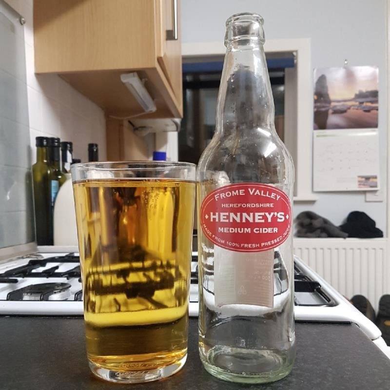picture of Henney's Cider Company Medium submitted by BushWalker
