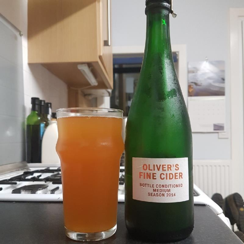 picture of Oliver's Cider and Perry Oliver's Fine Cider Medium 2014 submitted by BushWalker