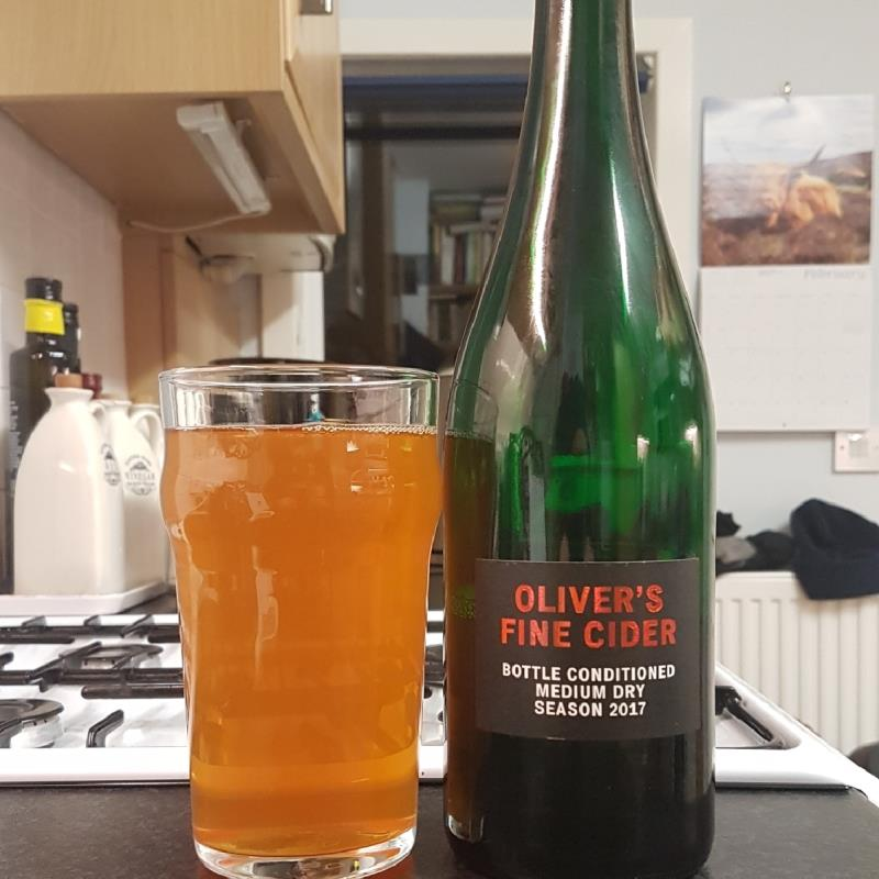 picture of Oliver's Cider and Perry Oliver's Fine Cider Medium Dry 2017 submitted by BushWalker
