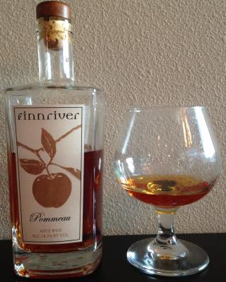 picture of Finnriver Cidery Pommeau (Apple Wine) submitted by cidersays