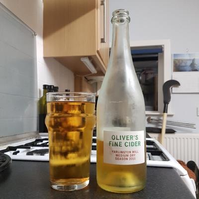 picture of Oliver's Cider and Perry Yarlington Mill Medium Dry 2015 submitted by BushWalker