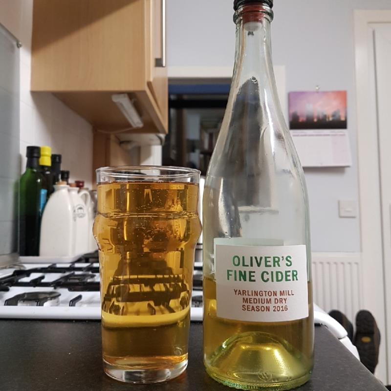 picture of Oliver's Cider and Perry Yarlington Mill Medium Dry 2016 submitted by BushWalker