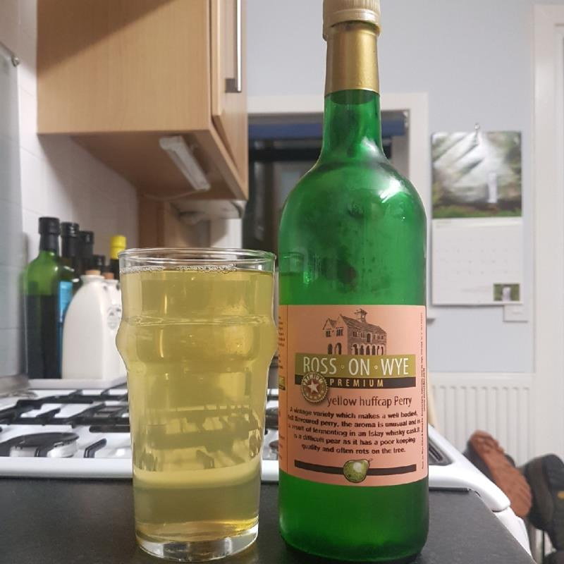 picture of Ross-on-Wye Cider & Perry Co Yellow Huffcap submitted by BushWalker